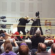Batman beats up Jon Allen at SiouxperMania